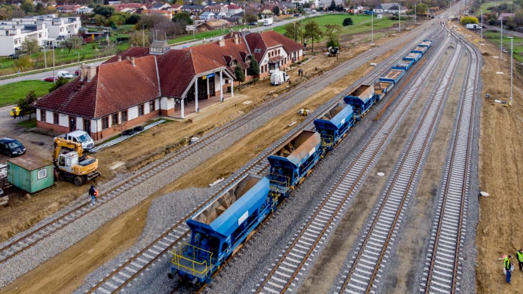 Gigafejlesztés indul a vidéki városban: 55 milliárdot áldoznak a közlekedésre
