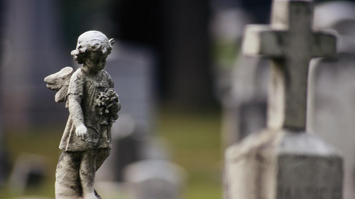 Horribilis árak a magyar temetőkben: ennyiért válthatjuk meg szeretteink sírhelyét