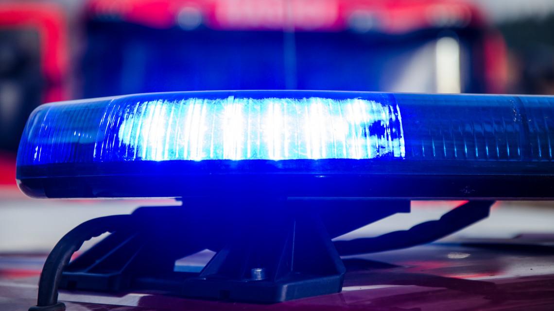 Furcsa tárgy repült a Vas megyei úton: a furgon nem tudott kitérni