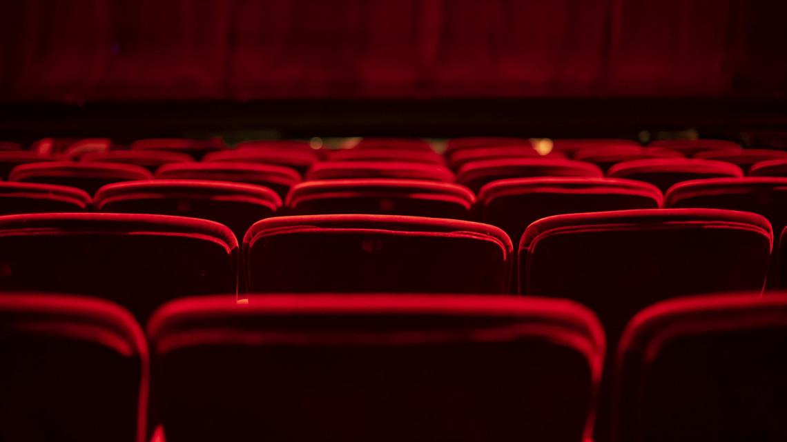 Ezt kár lenne kihagyni: díjnyertes előadás az online színház repertoárjában