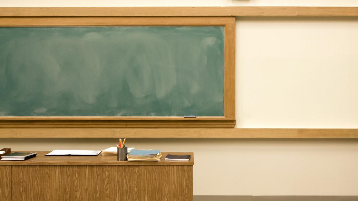 Koronavírus: olyan sok a fertőzött tanár és diák, hogy egyre több felsősnek kell otthon tanulnia