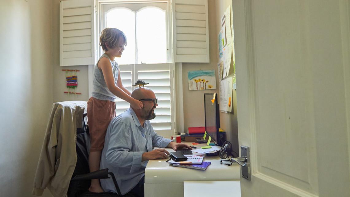 Ugrik a home office a pandémia után? Erre számíthatnak a vidéken dolgozók