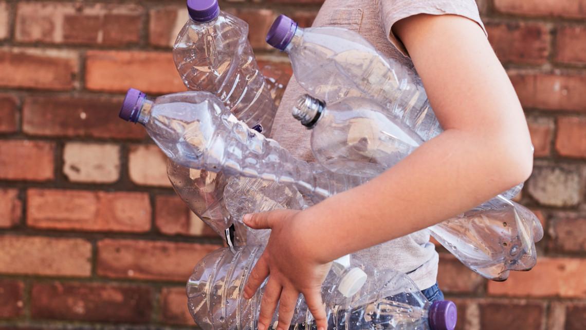 Kötelezővé teszik az üvegvisszaváltást Magyarországon: itt van a határidő
