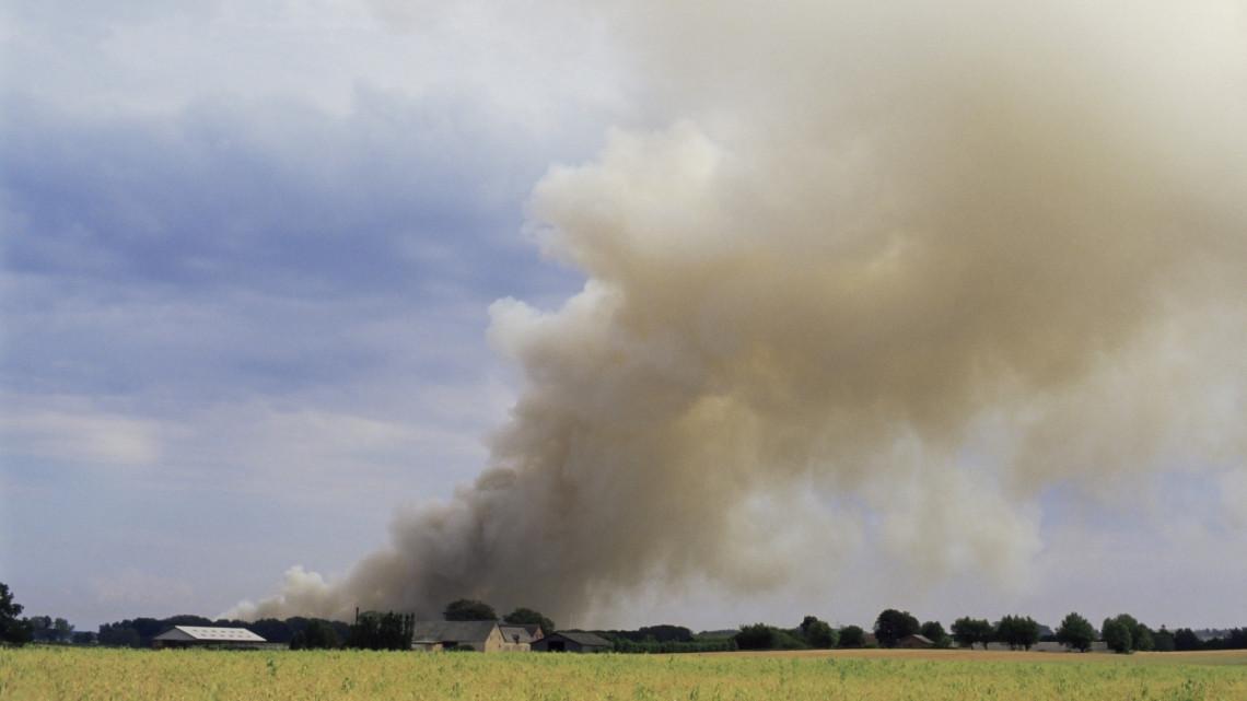 Borzalmas tragédia: porig égett a háromgyerekes család háza, nem tudni, mitől