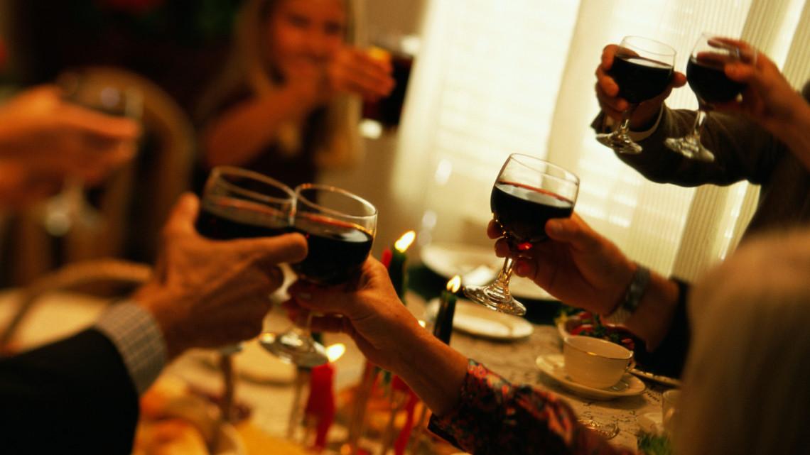 Így tedd fejedelmivé a karácsonyi menüt: mutatjuk, milyen borok illenek az ünnepi fogásokhoz