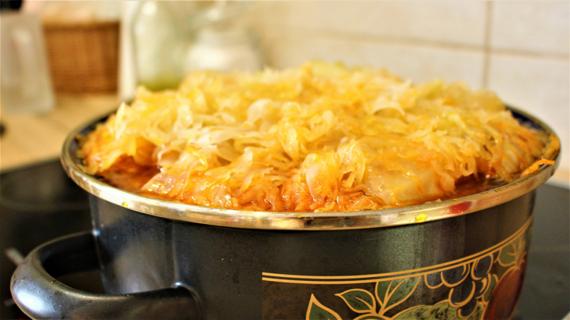 Íme a tökéletes töltött káposzta receptje: így készítsd, hogy az ünnepi asztal dísze lehessen!