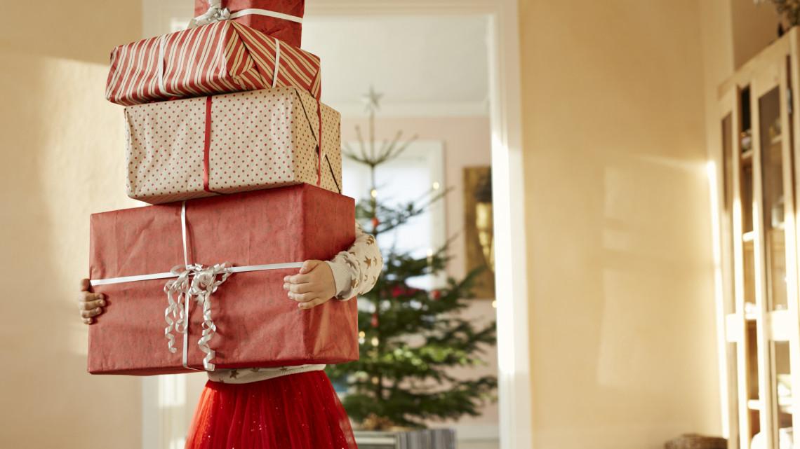 Ezek a legmenőbb játékok most karácsonyra: horribilis összeget fizetnek értük a családok