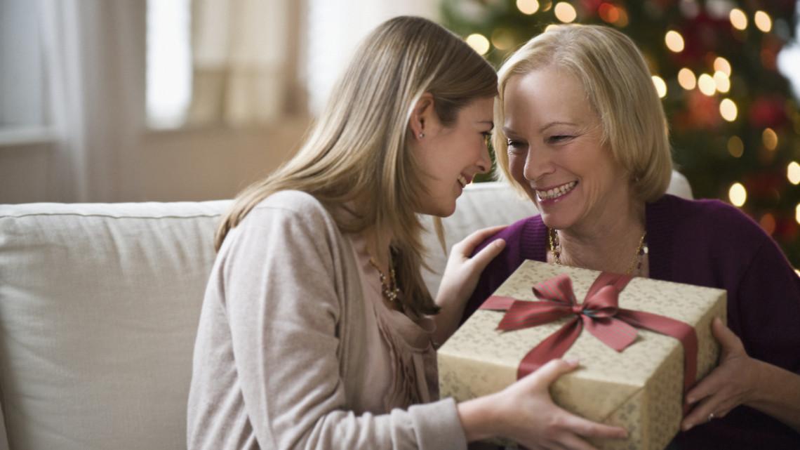 Meghökkentő az idei karácsonyi toplista:  szokatlan ajándékokat is hoz majd a COVID-Jézuska