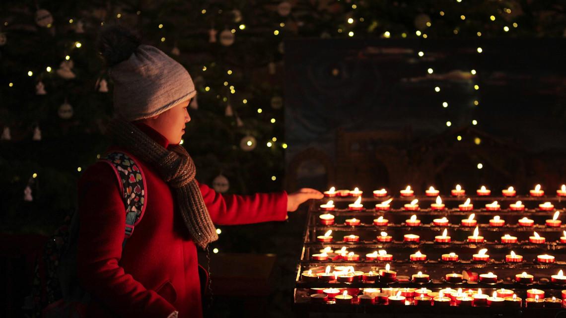 Erdő Péter: legyen az idei karácsony az isteni irgalmasság ünnepe!