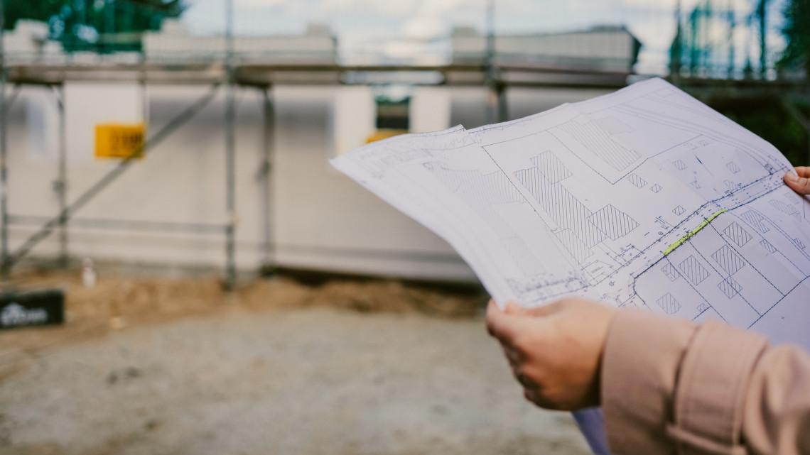 Így is hasít a magyar építőipar: de januártól 12 milliárdos új támogatási program érkezik