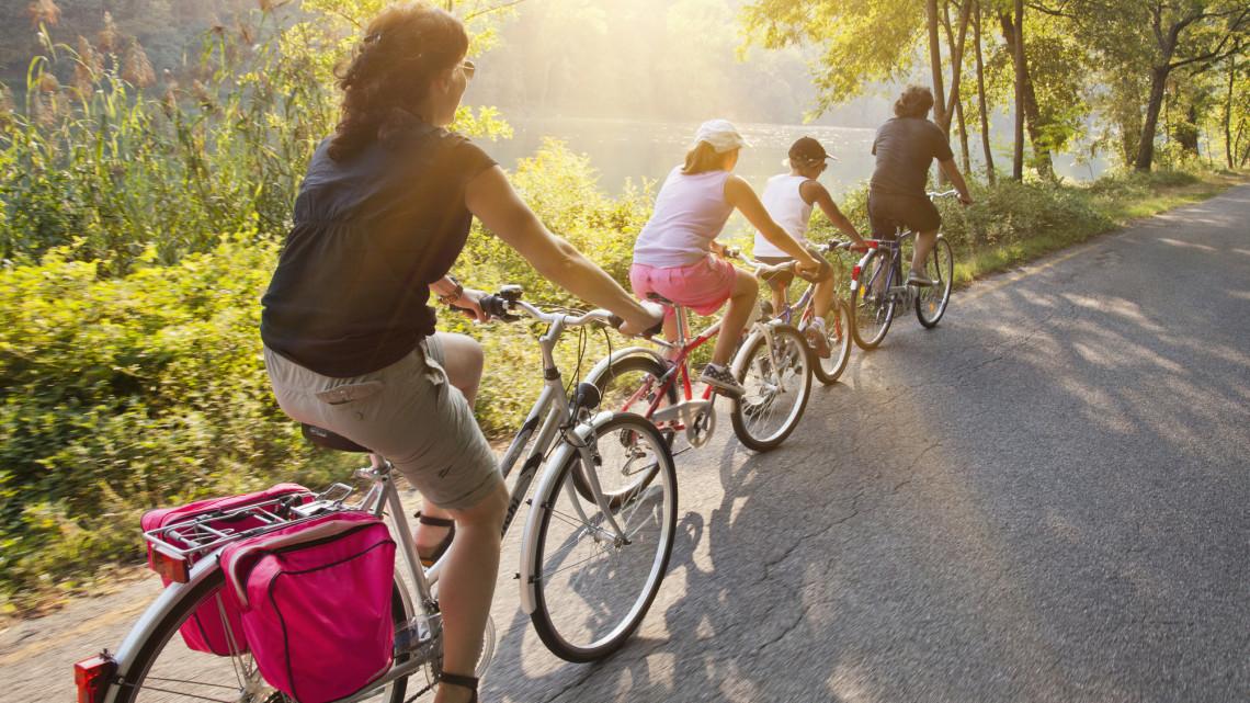 Megvan: hány milliárdból lesznek új bicikliutak, és meddig dolgoznak a Balatoni Bringakörön