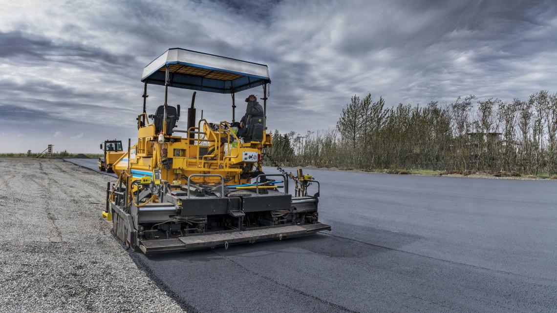 Rekordév lehet az idei a közútfejlesztésekben: mutatjuk hány kilométernyi útszakasz újulhat meg