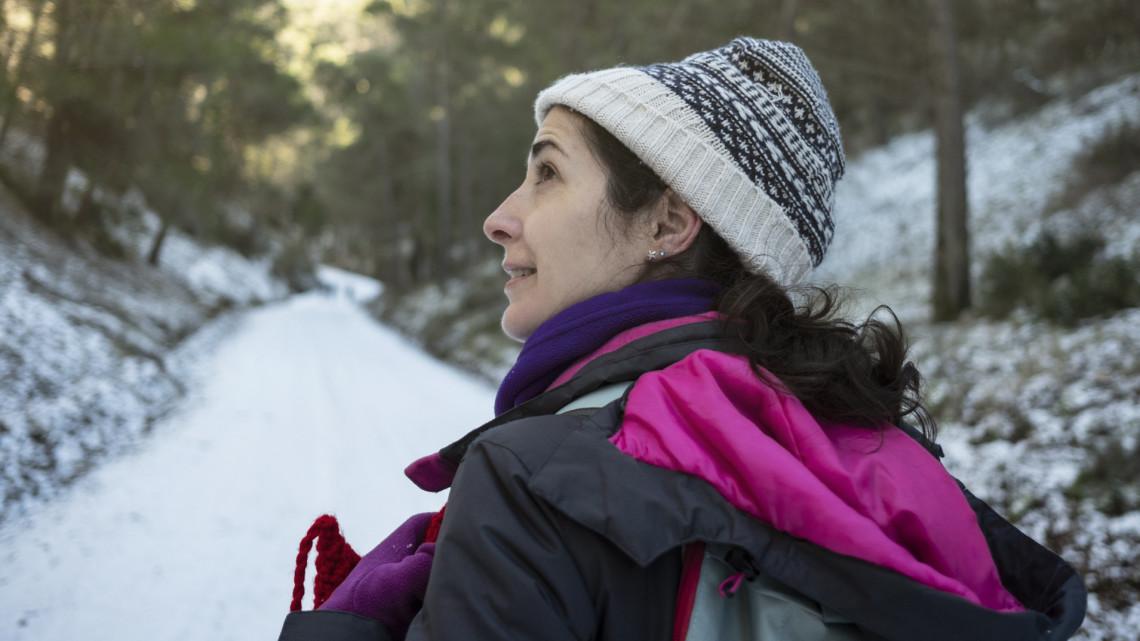 Elárasztották a bakancslistás helyeket a turisták: profi túravezetők mondják el, mit ne tegyünk