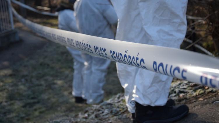 Egy nő holttestét találták meg a vidéki város utcáján: gyilkosság történt?