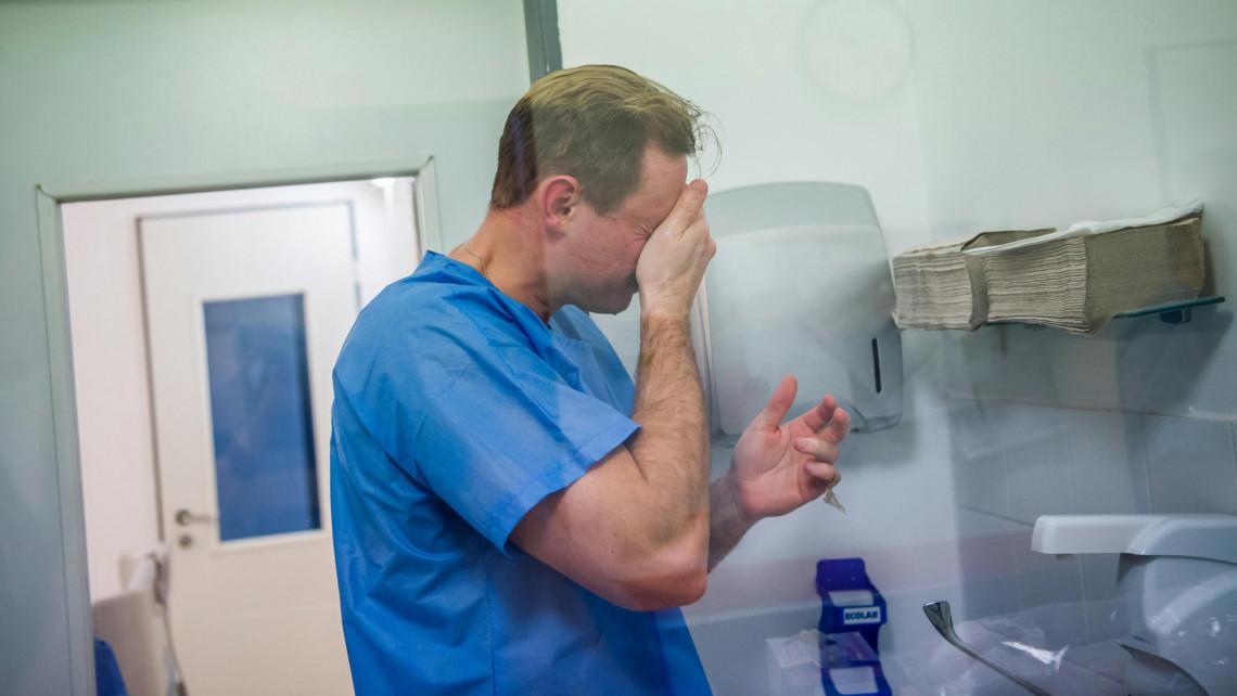 A halálozási adatok mögött: a Covid-helyzetről a frontvonalban dolgozó orvosok nyilatkoztak