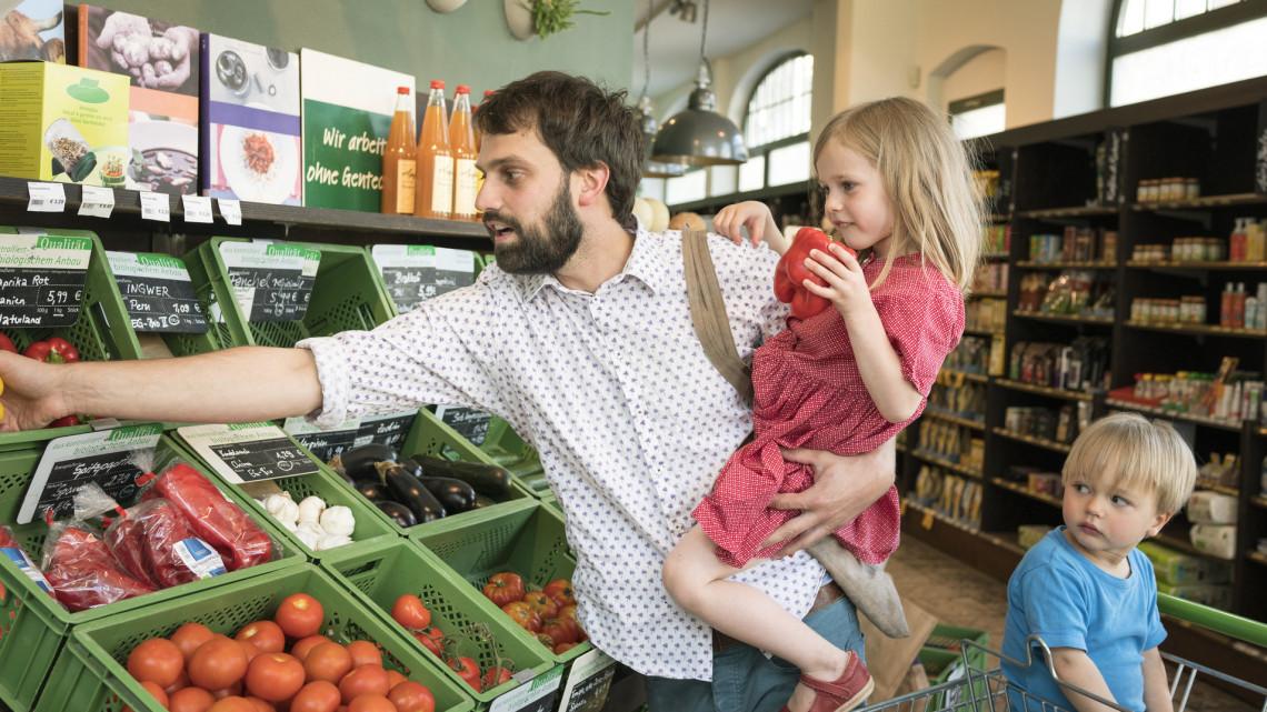 Bődületes élelmiszerárak lettek: aggasztóan gyorsult az éves áremelkedés üteme is