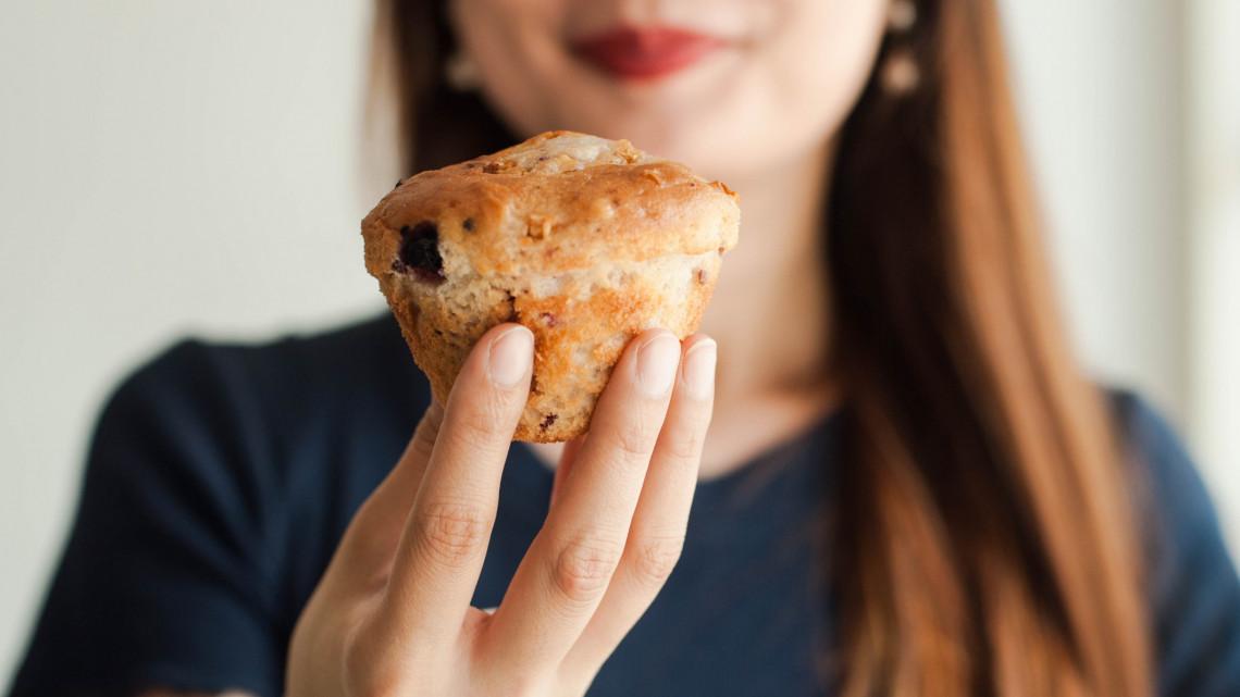 Különleges bögrés muffin receptek: bögrés mákos muffin és bögrés kakaós muffin recept