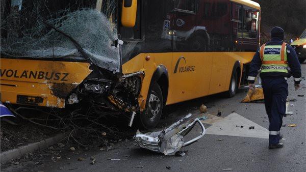 Fekete csütörtök a magyar utakon: több halálos baleset is történt