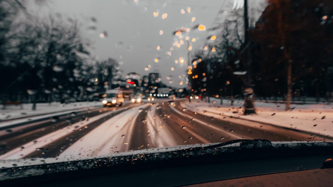 Hózápor, ónos eső, viharos szél: nem semmi, mi vár ránk hétvégén az időjósok szerint