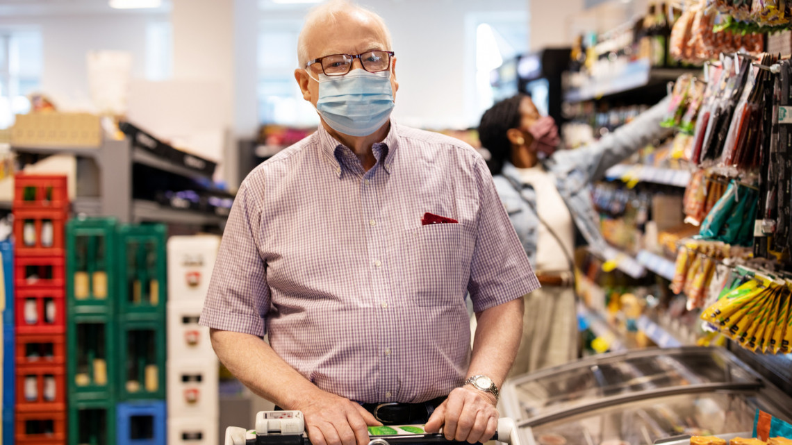 Maradnak a korlátozások: durvulni fog a járvány, számos vírusmutáns jelent meg hazánkban