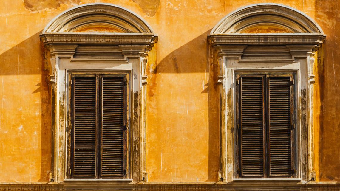 Régi fényében tündököl a legendás őrségi épület:  végre újra élet kötözhet a sárga házba