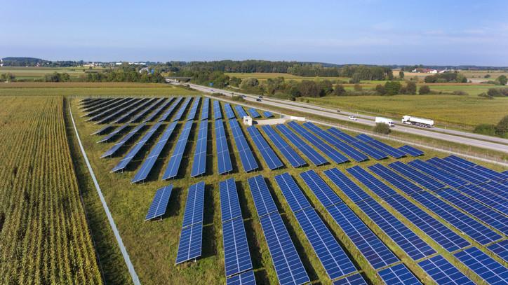Ez igen: napelemparkot kap ez a magyar település, több ezer család energiaellátását fedezheti