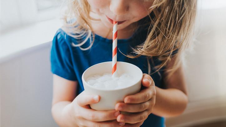 Kiderült a nagy tejtitok: vajon megéri az ötszörös árat a legújabb őrület?
