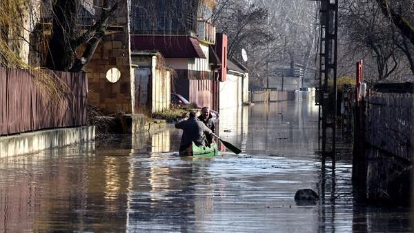 Egyre drámaibb a helyzet: árad a Tisza Szolnoknál