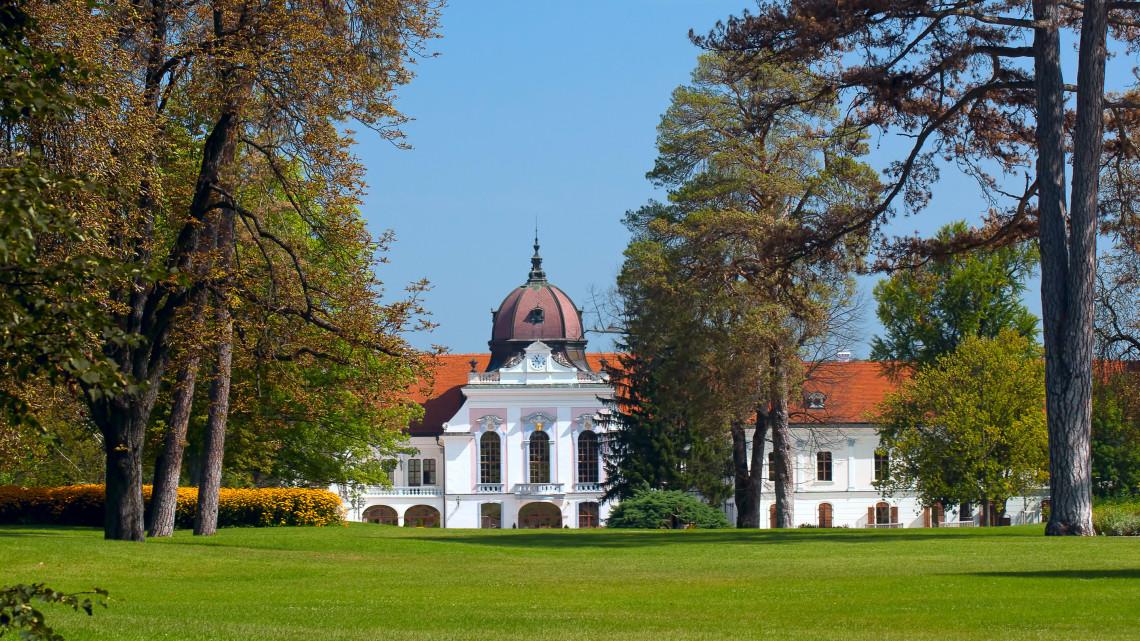 Ünnepel a híres magyar barokk kastély: musical estet is szerveznek
