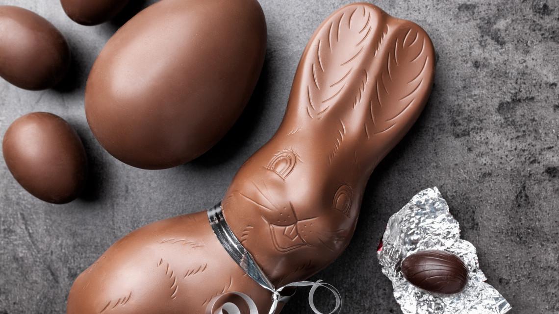 Őrület: vakcinával felszerelt csokinyulakat készít a magyar cukrász