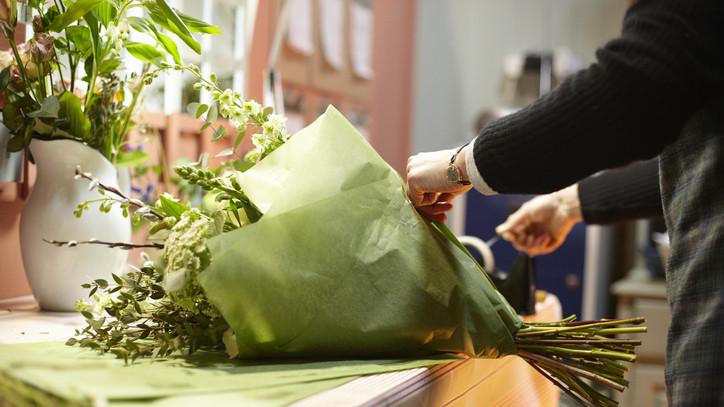 Készülnek a nőnapi rohamra a virágosok: brutálisan megugrott a virágkiszállítások száma