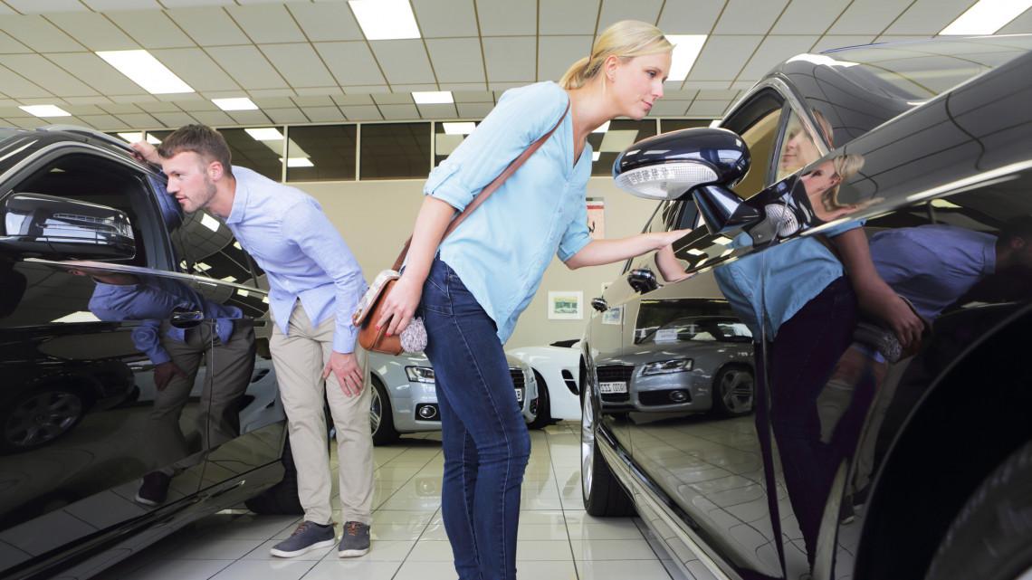 Csalóka lehet, vigyázzatok: ezért kerülhet százezrekkel többe a használt autó vásárlása