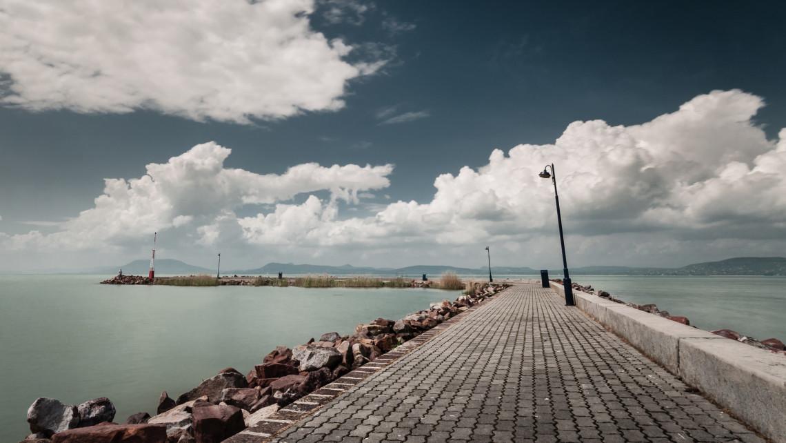 Szigorú rendőri ellenőrzést ígérnek a Balaton-parton a hosszú hétvégére: fagyizni sem szabad