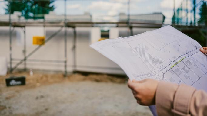 Ingyenesen tervrajzokkal segítik az építkező családokat: mutatjuk, hol lehet letölteni őket