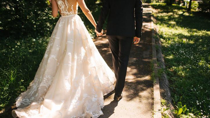 Kiakadtak az esküvőszervezők: az 50%-os bértámogatás csepp a tengerben!