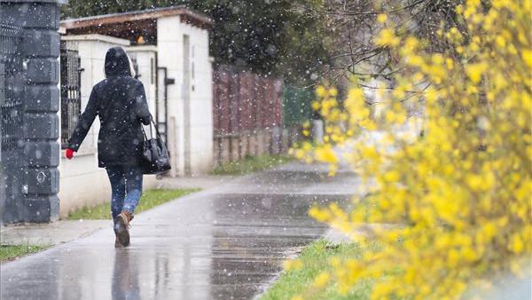 Elképesztő hét jön: olyat produkál az időjárás, aminek megint mi isszuk meg a levét