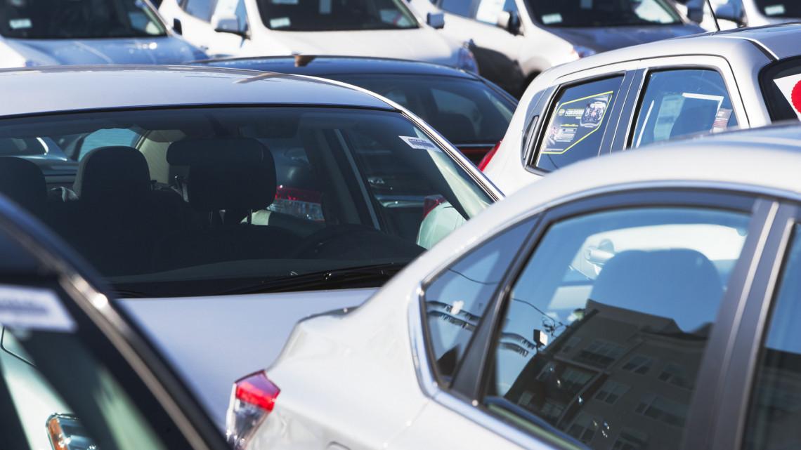 Kiderült: ennyire esett vissza a használtautó-import az első negyedévben