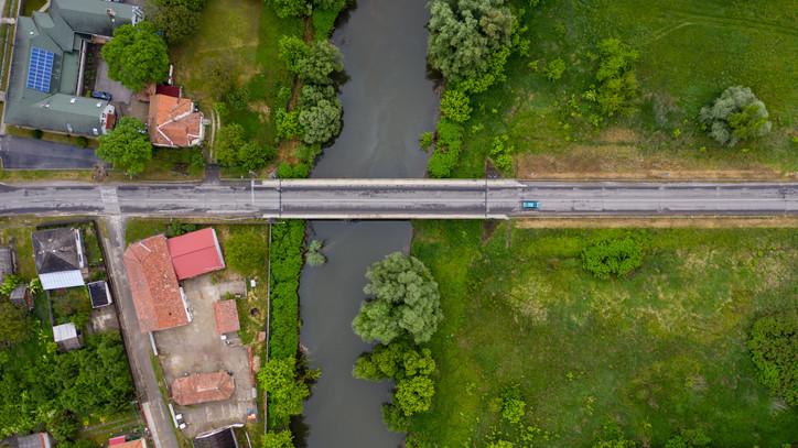 Lezárják bizonyos járművek elől a Tolcsva-patak-hidat: mutatjuk miért, itt vannak a részletek