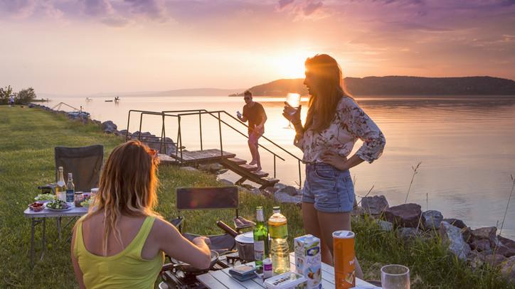 Nesze neked belföldi turizmus: mire vége a járványnak anyagilag és mentálisan is lerobbannak a magyarok