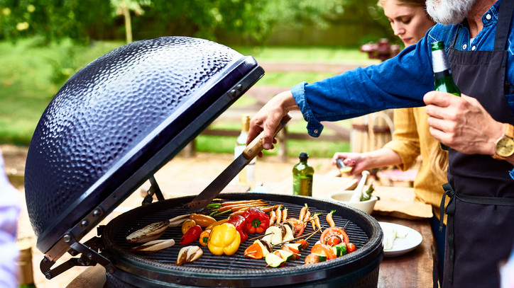A grillszezonban is diktálnak a trendek: ezeket az eszközöket érdemes idén beszerezni