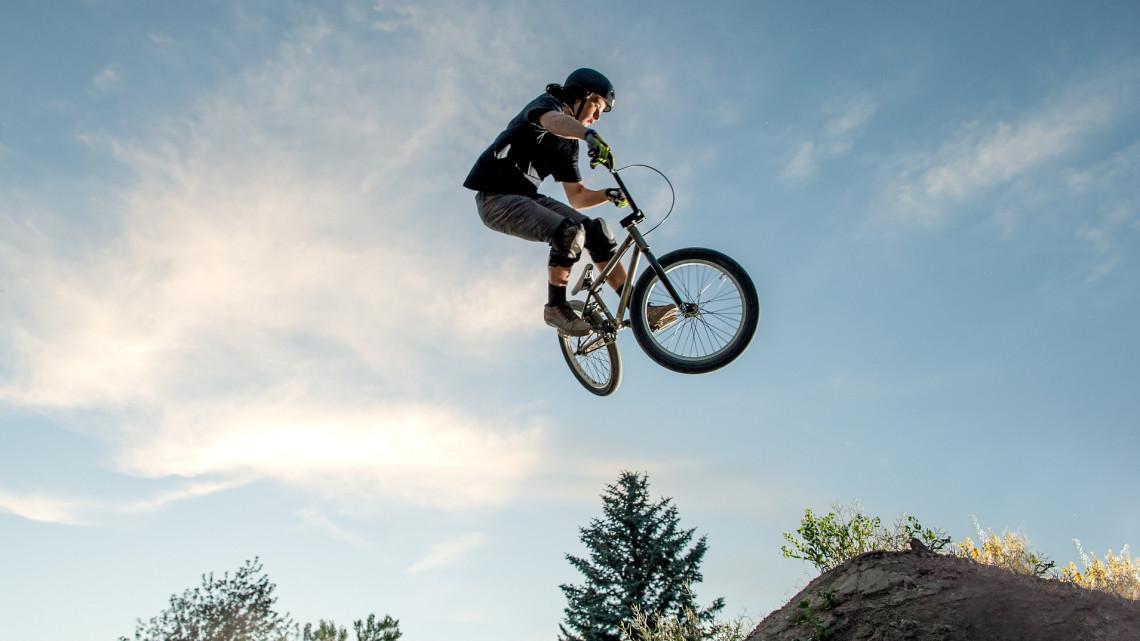 Örülhetnek az extrém sportosok: bringa- és görparkokkal dobják fel a vidéket