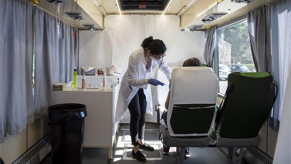 Koronavírus: ilyen mobil oltóbuszokon oltottak ma vidéken