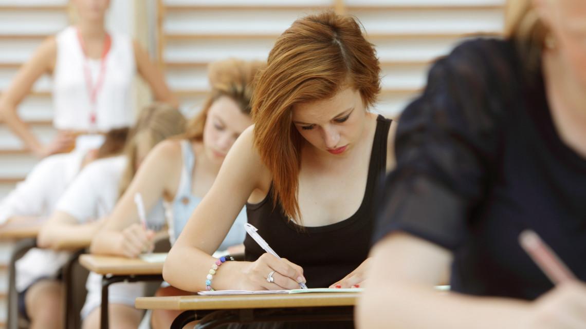 Hétfőtől nekik szurkolhatunk: a neheze még hátra van, kezdődnek a szakmai vizsgák