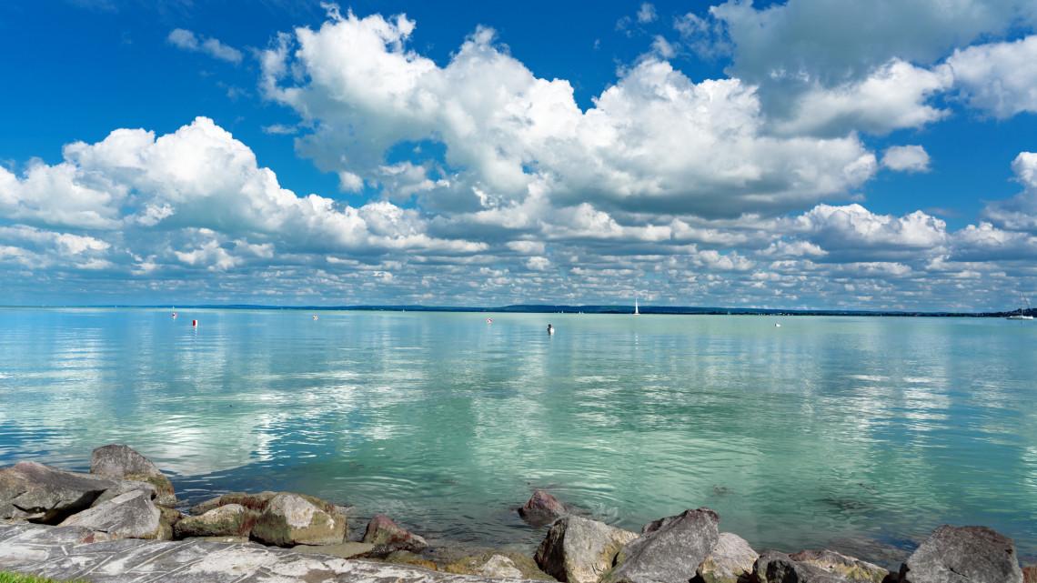 Nem fogod elhinni, mekkora lehet a baj: túl tiszta a Balaton vize