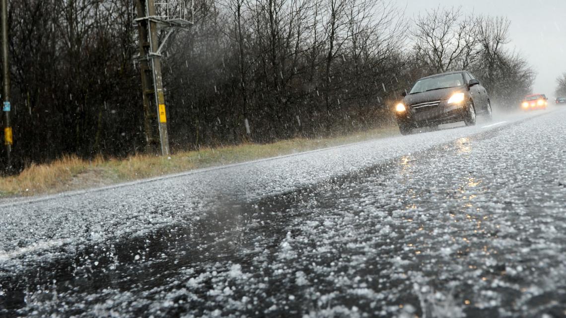 Brutális hidegfront csap le az országra: fotókon az iszonyatos jégeső