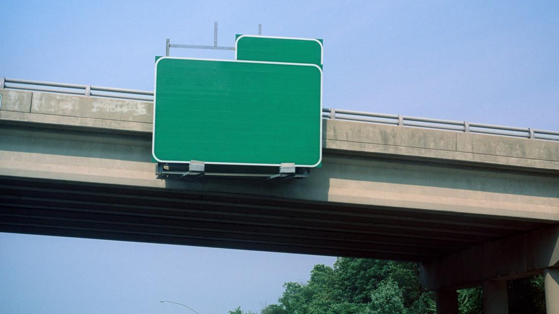 Jó hír az ingázóknak is: átadták az új vasúti hidat, csökkenni fognak a reggeli dugók