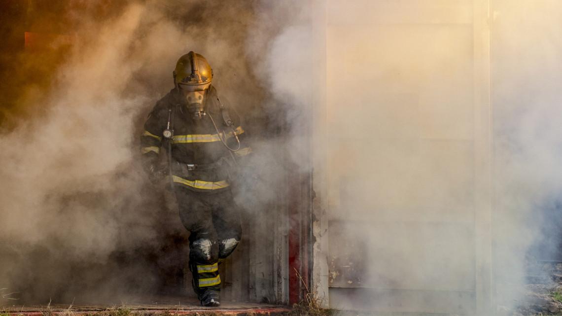Tűz ütött ki a sorházban: 12 otthon vált lakhatatlanná Keszthelyen