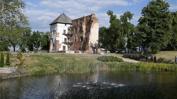 Dübörög a várfelújítás Kisvárdán: a 2,3 milliárd forintból még mobilszínpad is épül