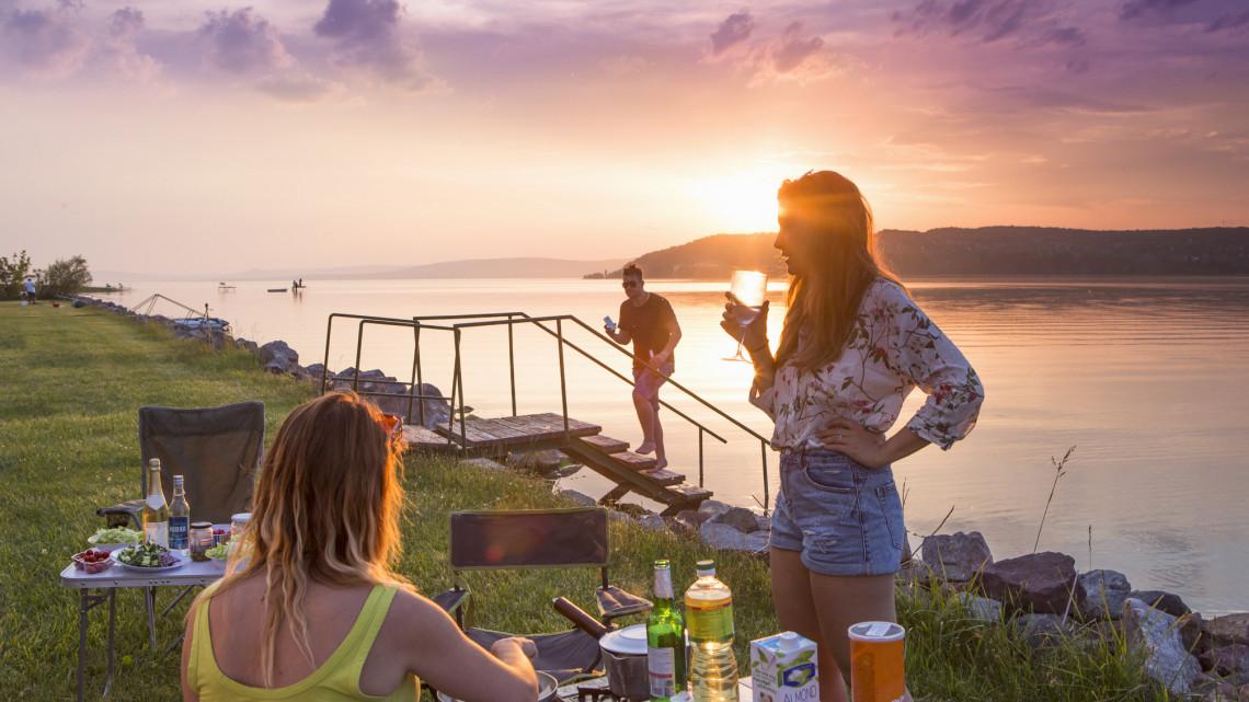 Fillérekért nyaralhatsz a Balatonnál is: itt a lehetőség, amit csak kevesen ismernek