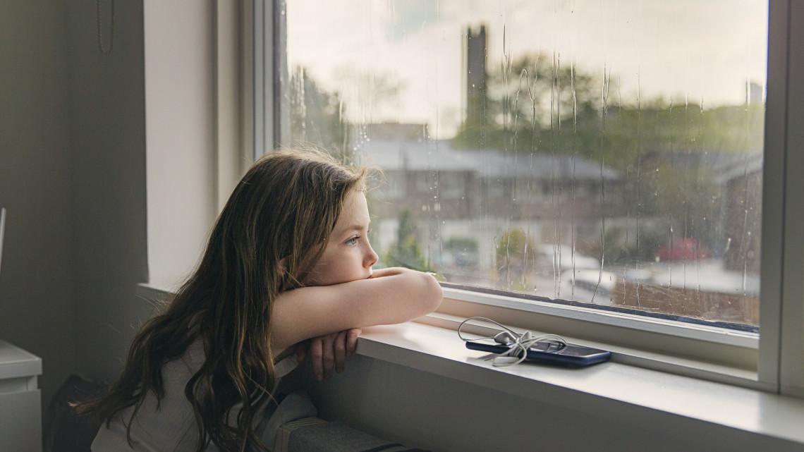 Iszonyúan megszenvedték a járványt: gyerekeink mentális egészsége forog kockán